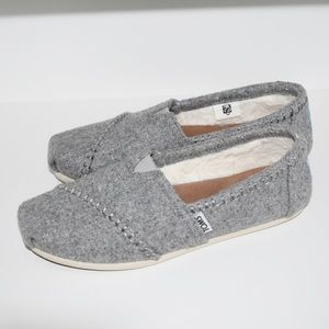 TOMS Drizzle Grey Wool Women's Classics Size 7